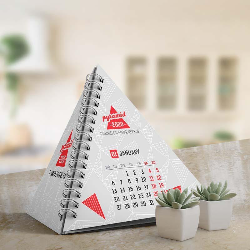 Mẫu lịch để bàn kim tự tháp hiếm lạ