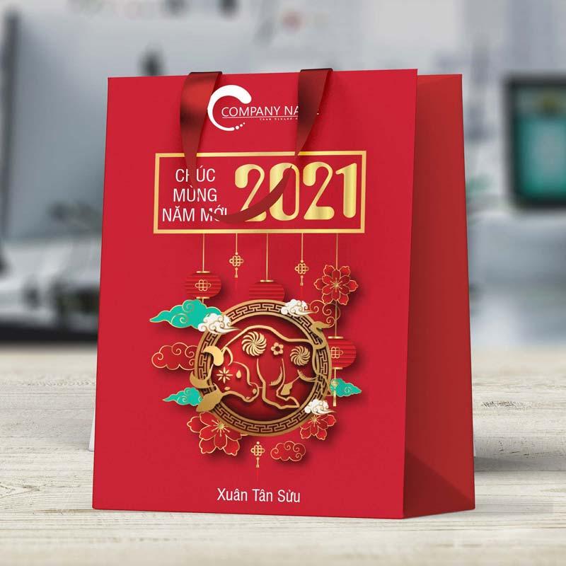 Mẫu túi giấy đựng quà 2021