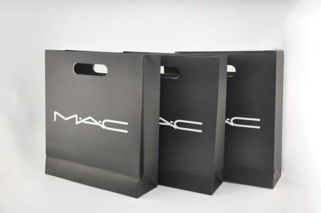 thiết kế in túi giấy đựng mỹ phẩm đẹp chất lượng