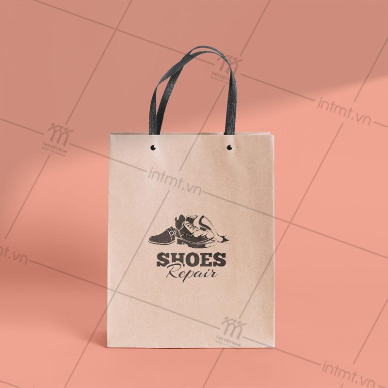 túi giấy đựng giày dây nhựa